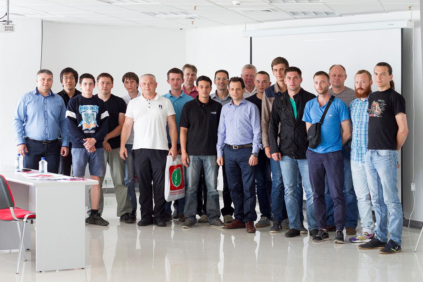 Участники семинара компании Unisaw